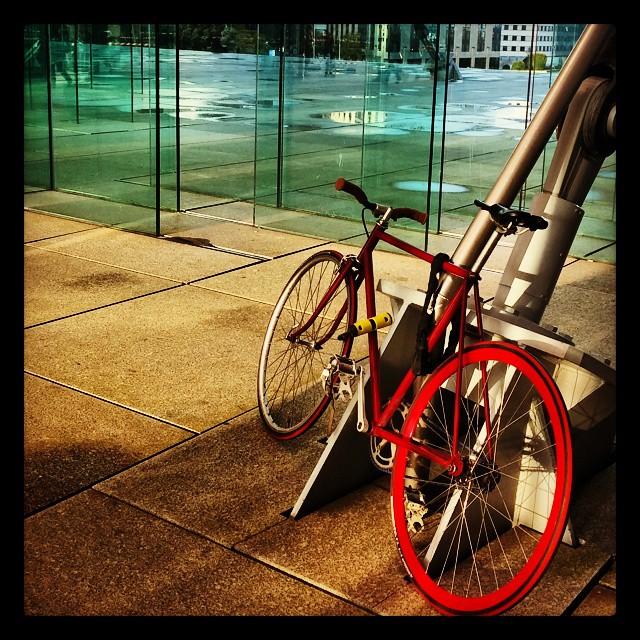 La bicyclette rouge #LaDéfense