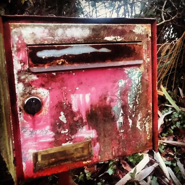 (J'ai attendu ta lettre. J'ai attendu même un mot un seul. Les hivers ont passé. Ma peau a tracé l'attente en sillons.) #Run